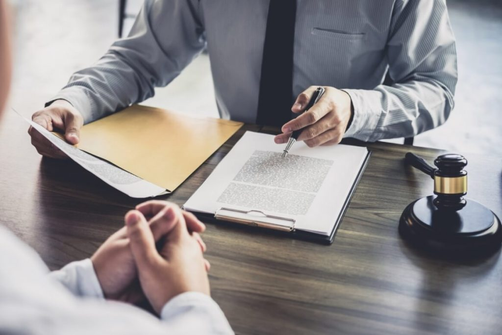 Услуги по вопросам увольнений и сокращений